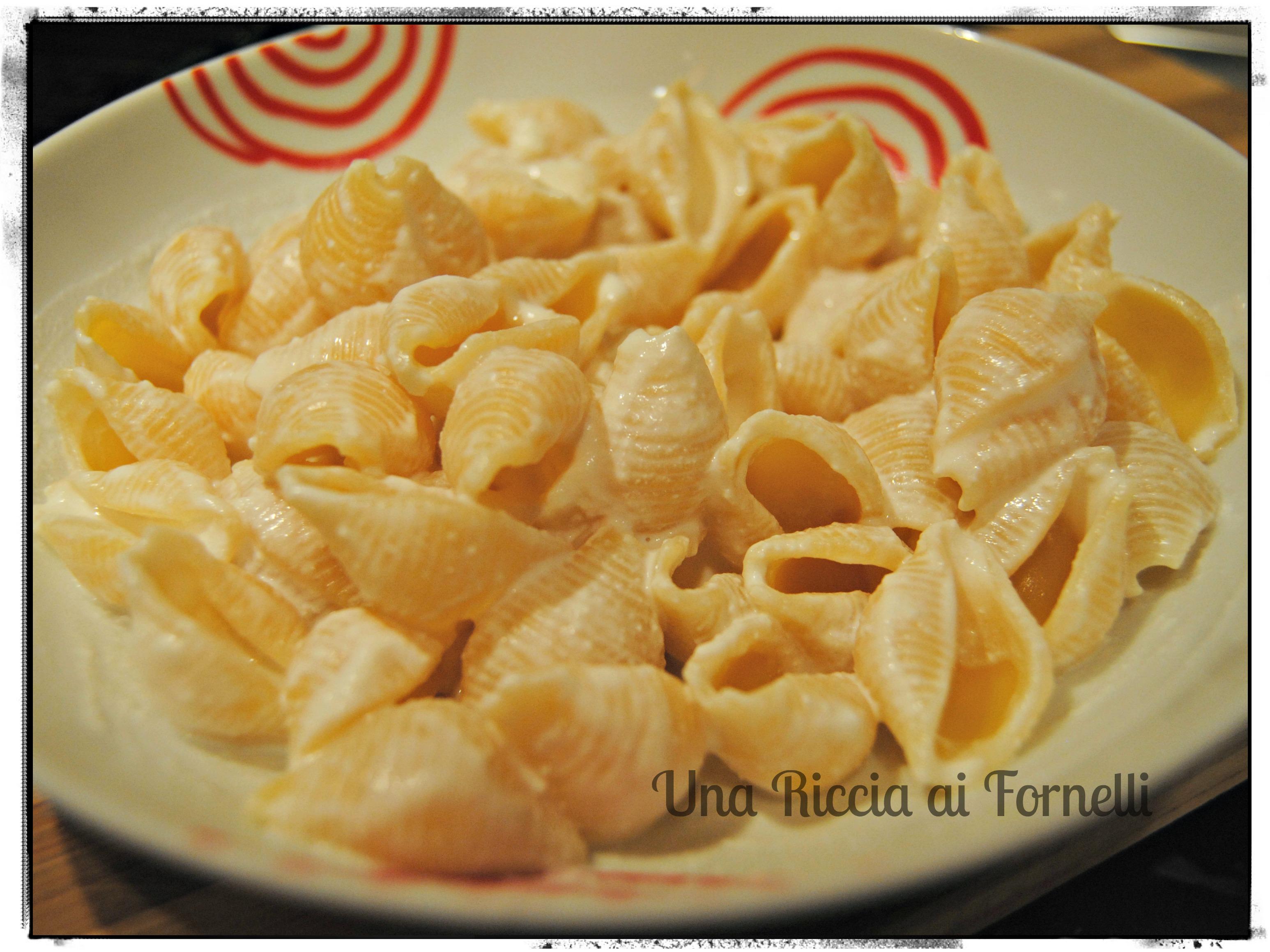 Pasta e ricotta, ricetta lampo - Una Riccia ai Fornelli