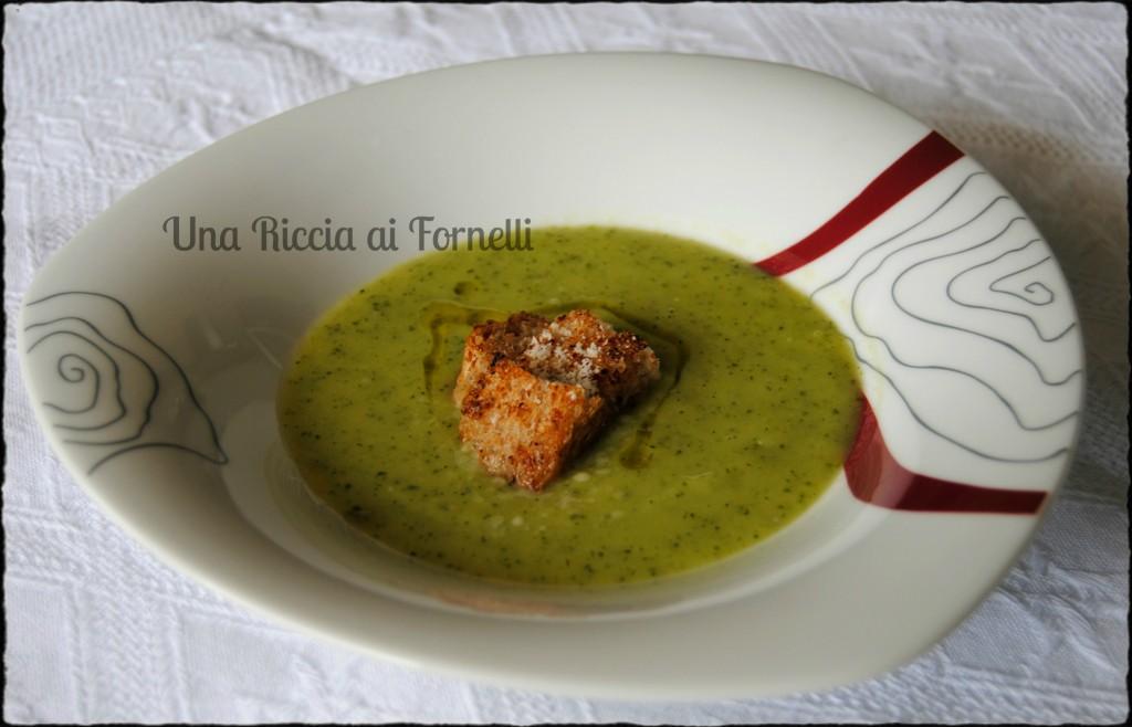 Vellutata di zucchine, ricetta delicata - Una Riccia ai Fornelli