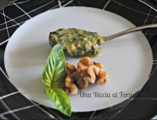 Pesto al basilico e noci, ricetta veloce