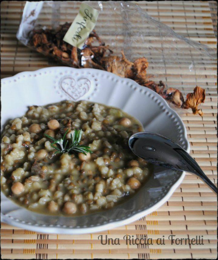Zuppa di ceci, orzo e funghi finferli
