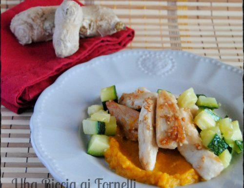Pollo allo zenzero con crema di carote al curry e zucchine croccanti
