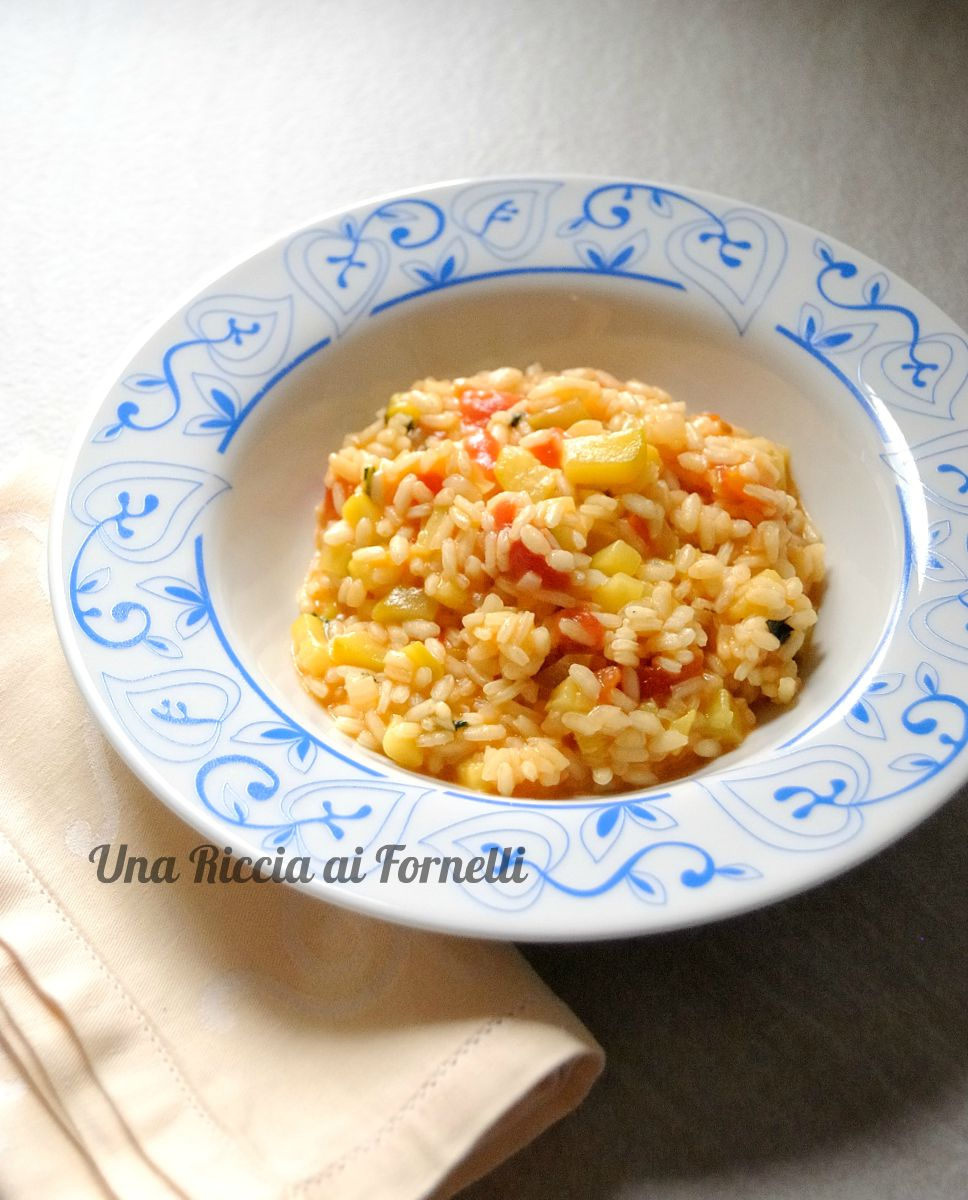 risotto zucchine e pomodori freschi