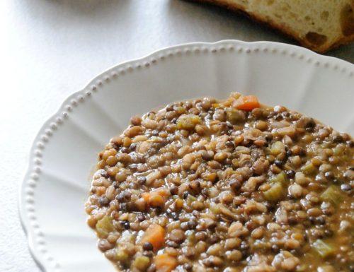 Zuppa di lenticchie con orzo e farro