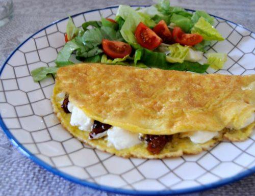 Frittatina light, con pomodori secchi e formaggio spalmabile