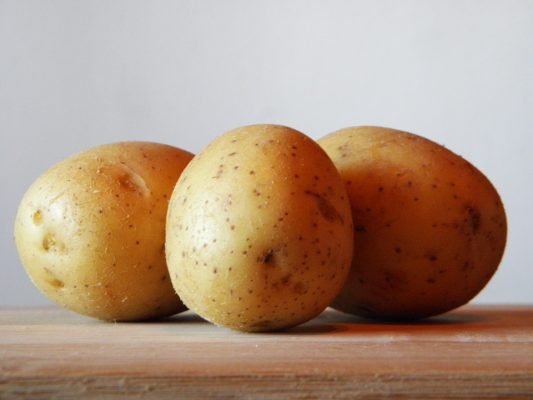 Quanto pesa una patata in kg