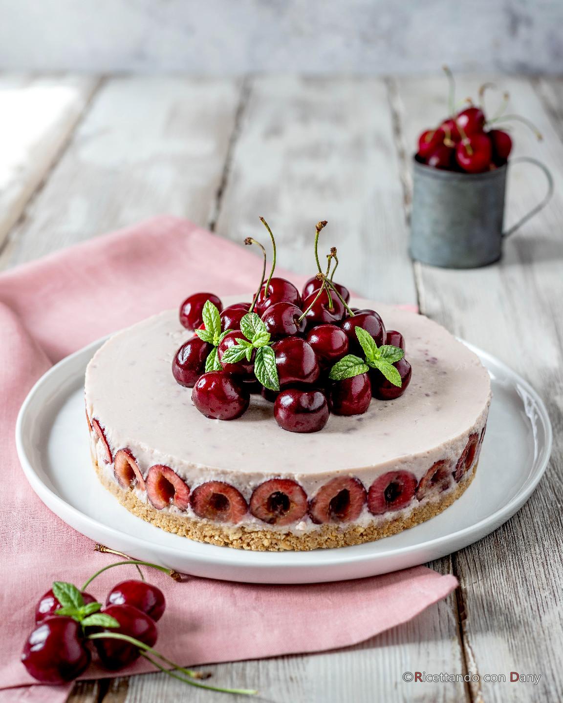 Cheesecake alle ciliegie con yogurt e ricotta