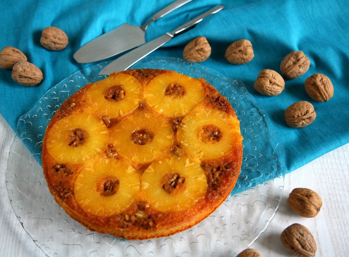 Torta rovesciata ananas e noci
