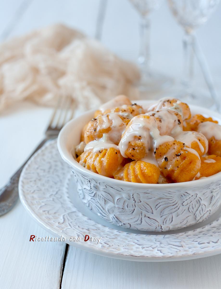 Gnocchi di patate arancioni al gorgonzola