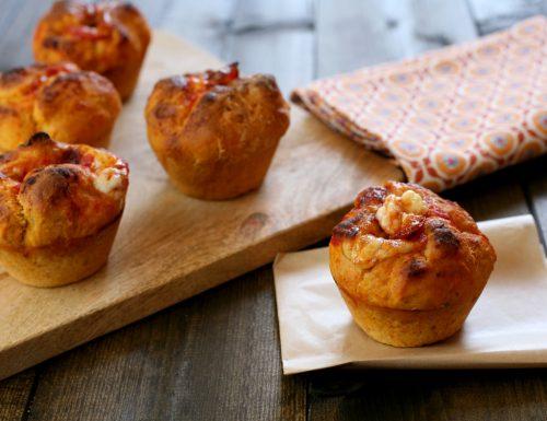 Pizza muffin al pomodoro e origano