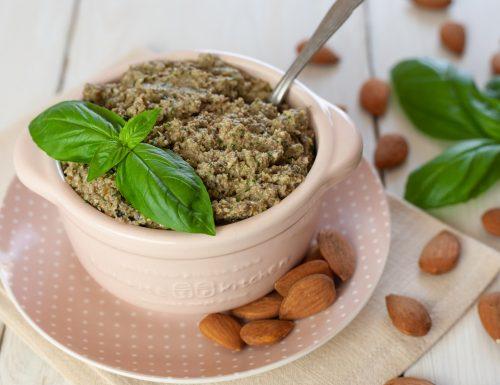 Pesto alle olive e mandorle