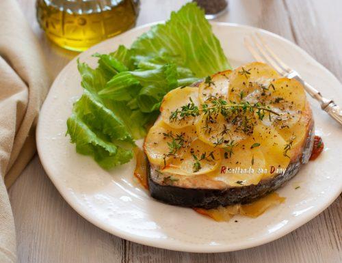 Salmone in crosta di patate al timo