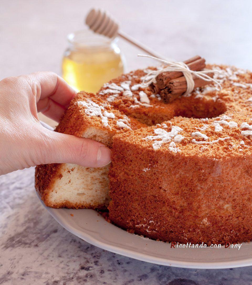 Chiffon cake al miele e cannella
