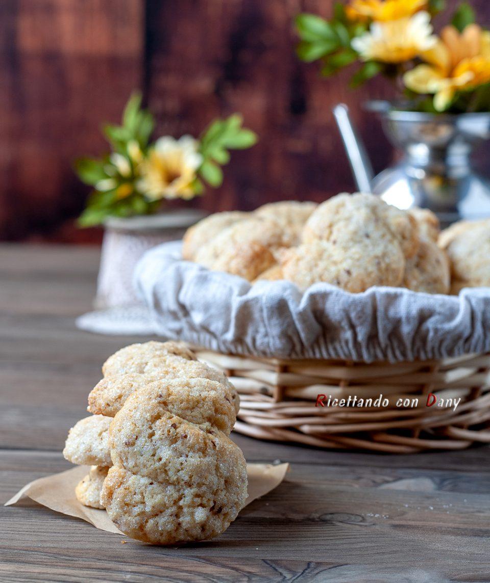 Biscotti morbidi all'anice