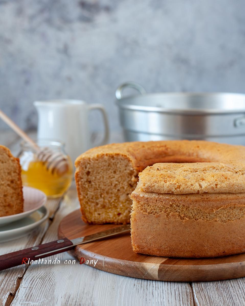 Ciambella al latte e miele nel fornetto Versilia