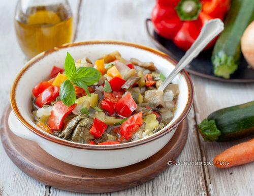 Minestrone freddo con verdure estive