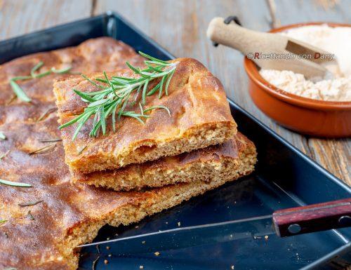 Focaccia con farina di lenticchie rosse al rosmarino