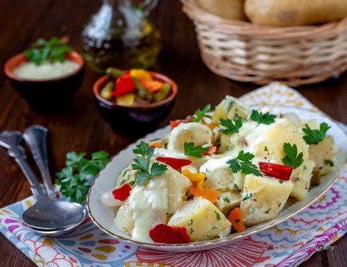 Insalata di patate allo yogurt e sottaceti