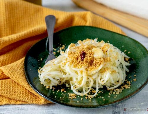 Spaghetti di daikon in padella