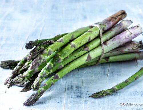 Come pulire gli asparagi senza sprechi