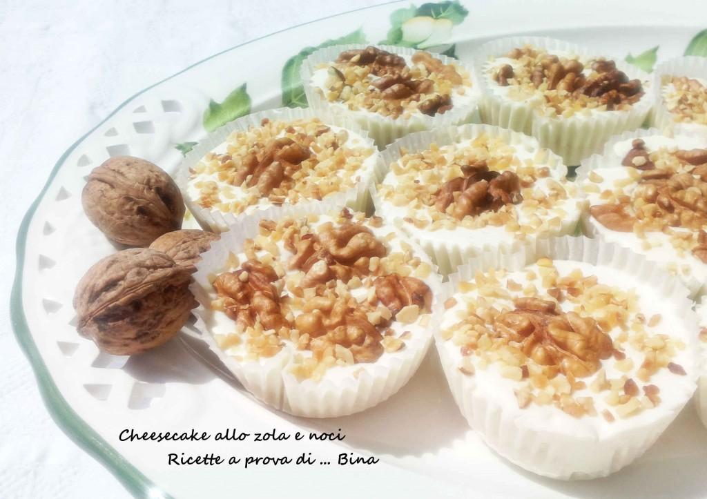 Cheesecake allo zola e noci - ricetta finger food senza cottura