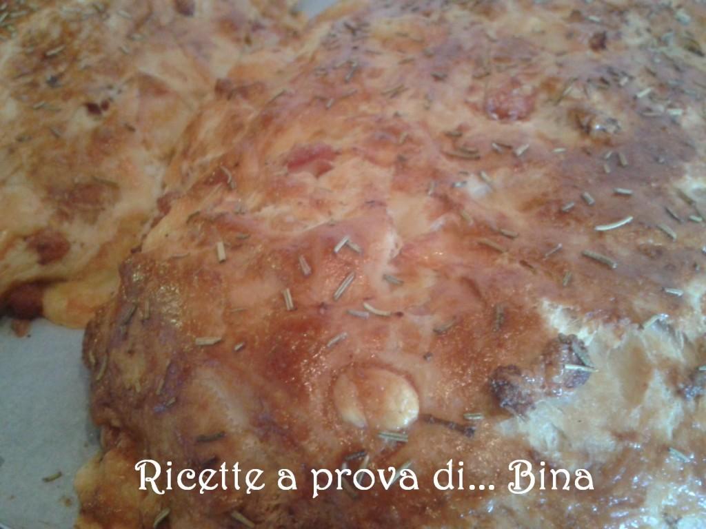 pane farcito con salumi,  formaggi e rosmarino