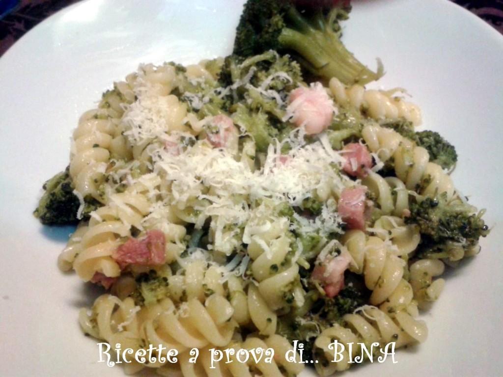 Pasta con broccoletti e pancetta