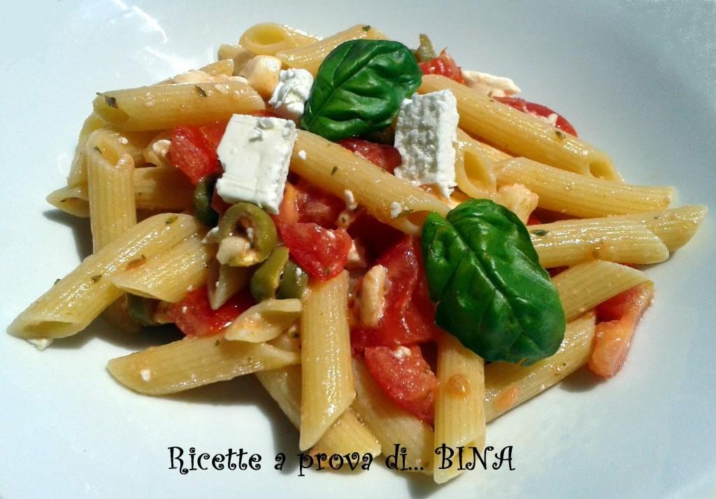 Pasta con pomodorini e feta - ricetta primo piatto fresco