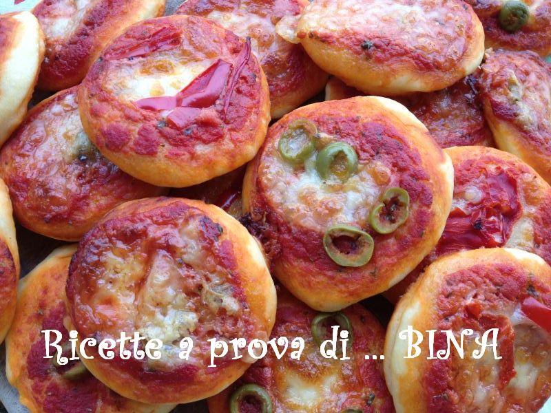 Pizzette al forno - ricetta finger food stuzzicante