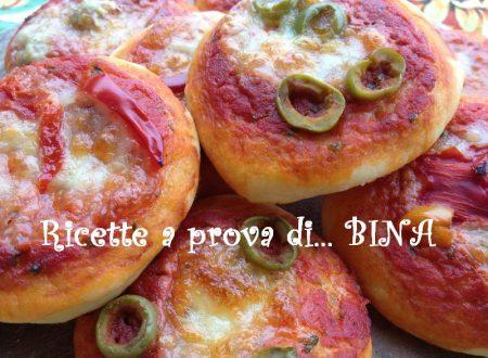 Pizzette al forno – ricetta finger food stuzzicante