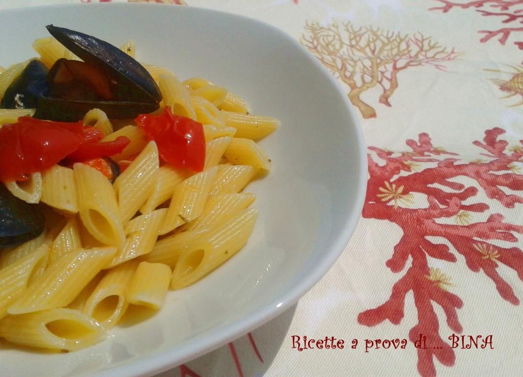Pasta cozze e pomodorini - ricetta primo piatto semplice - Ricette a prova di Bina