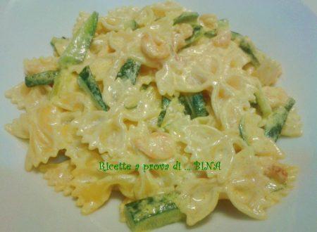 Pasta con gamberetti zucchine e zafferano – ricetta veloce