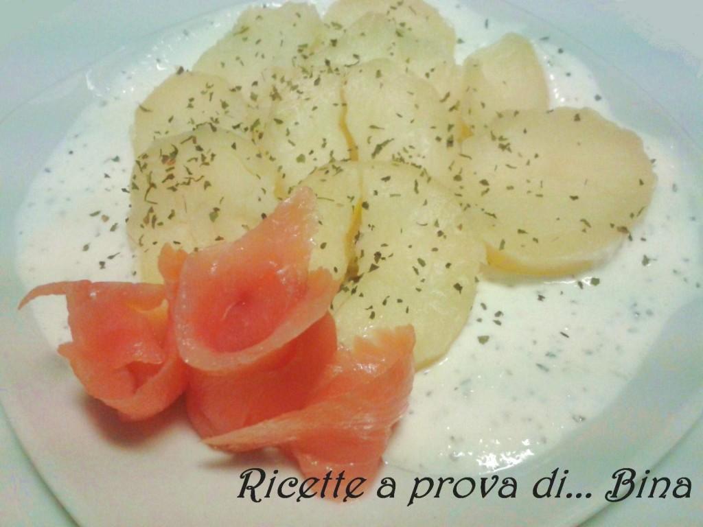 Patate con salmone, panna acida e cipollotto - Ricette a prova di Bina