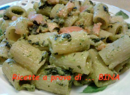 Pasta al salmone e pesto di zucchine – ricetta primo piatto