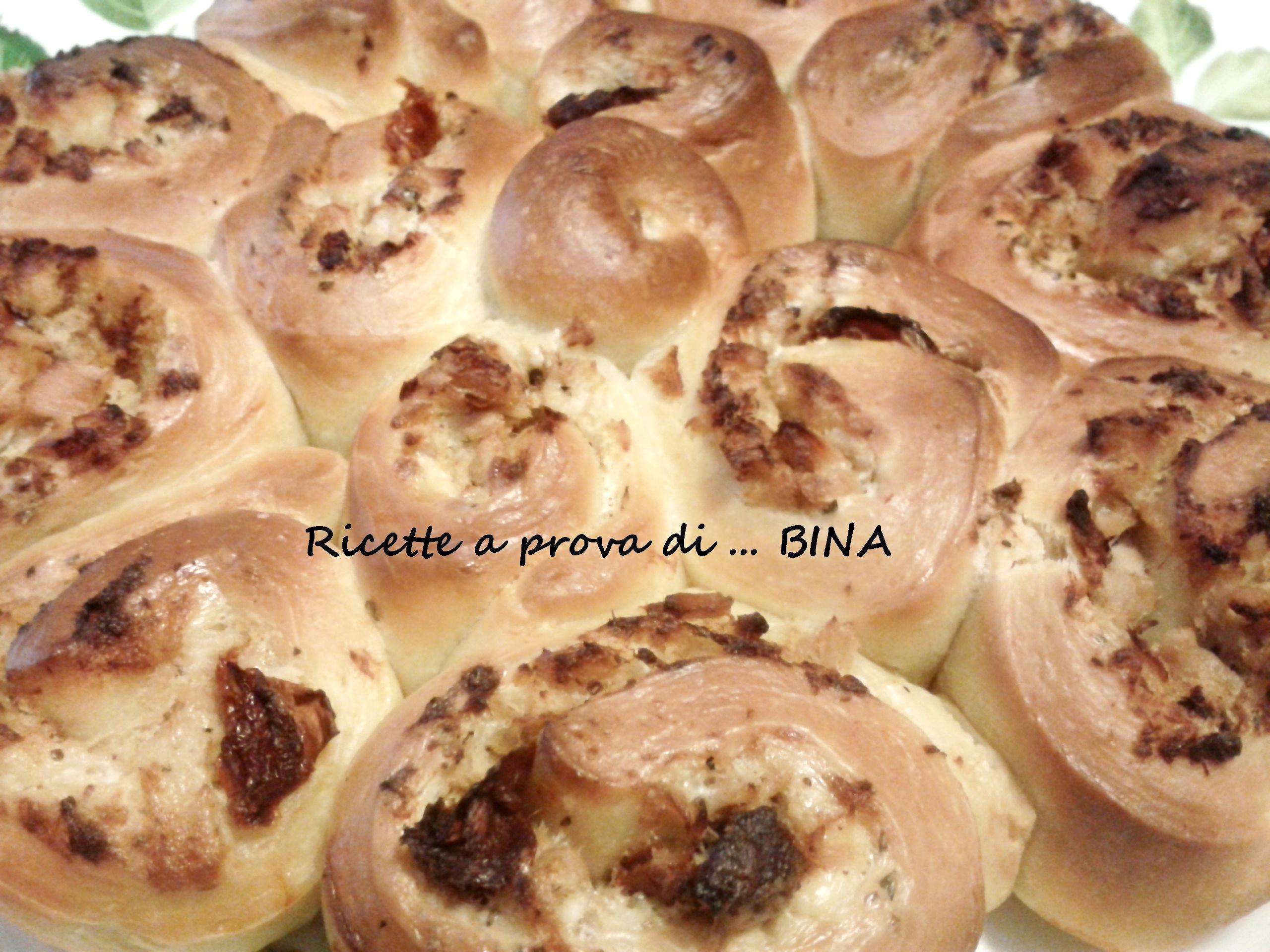Torta di rose con tonno e pomodorini - ricetta semplice