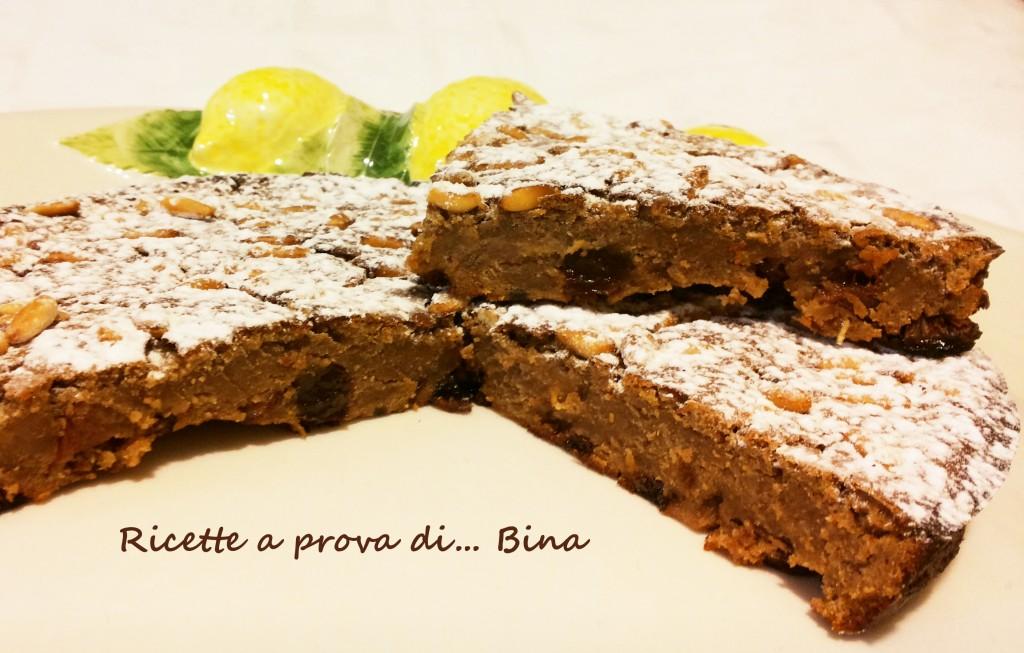 Castagnaccio - ricetta dolce con farina di castagne