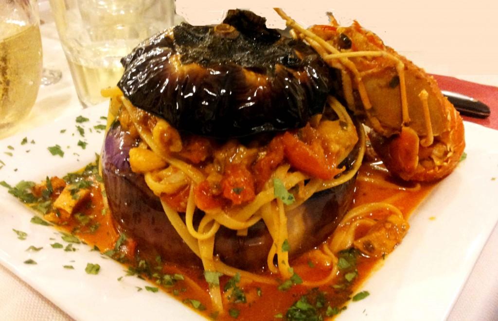Spaghetti melanzane e pesce spada - ristorante MISERIA E NOBILTA' DI SOLBIATE OLONA VA