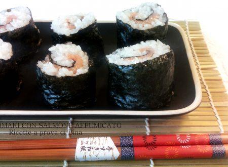 Hosomaki con salmone affumicato ricetta finto sushi