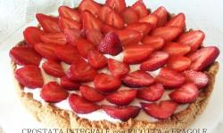 Crostata integrale con ricotta e fragole