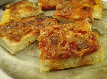 Pizza soffice con impasto di patate