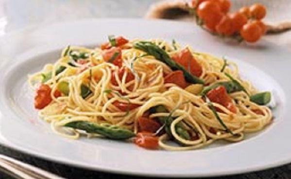 Spaghetti con asparagi selvatici