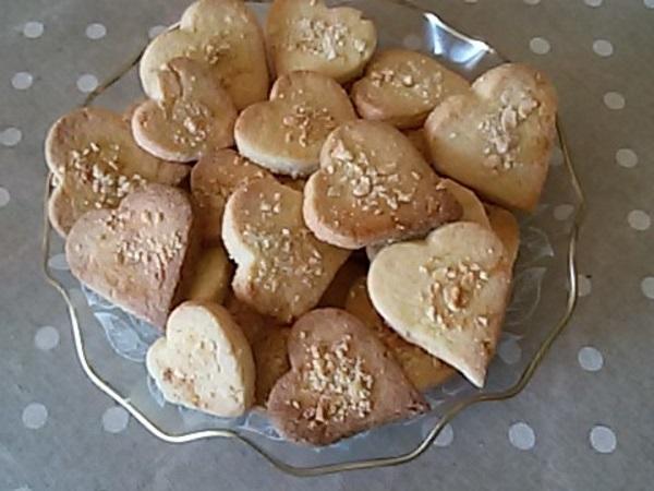 Biscotti cuoricini alle mandorle