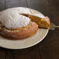 Torta alla arancia farcita con crema