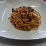 Spaghetti al Ragù di Funghi in terracotta