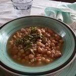 Minestrone ai 4 legumi e asparagi