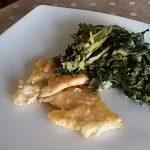 Filetti di petto di pollo in padella