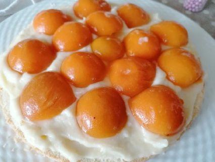 """""""Torta farcita ricetta facile""""; dall'aspetto questa torta è simile alla torta Mimosa, proprio perchè ho"""