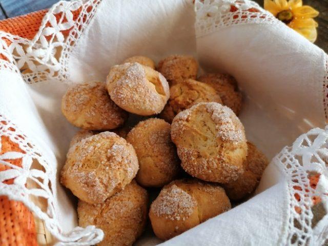 biscotti all'arancia dal cuore morbido