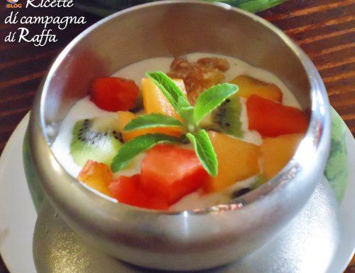 Gelato allo yogurt con frutta e stevia