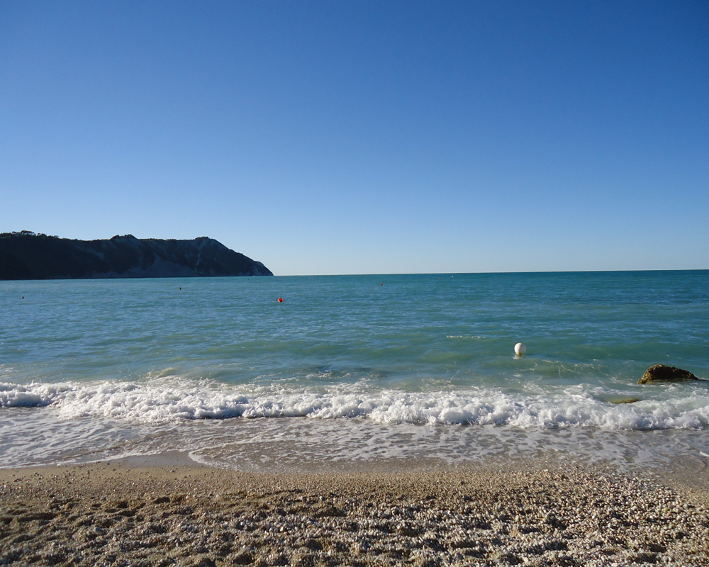 Gita a Portonovo... moscioli e stone balancing - spiaggia