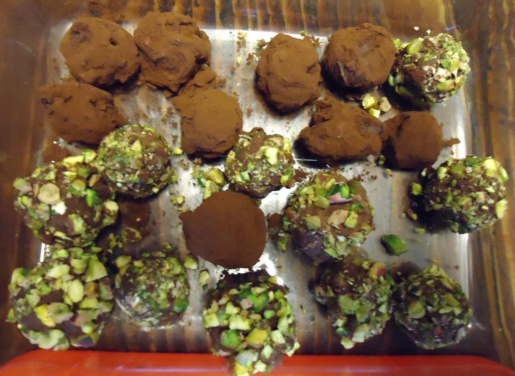 Tartufi di cioccolato confezionati per occasioni speciali